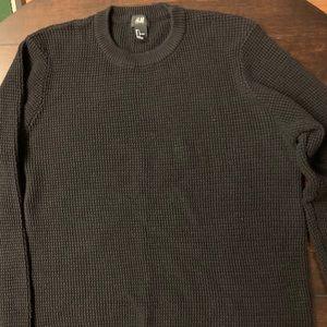 Black H & M crewneck sweater